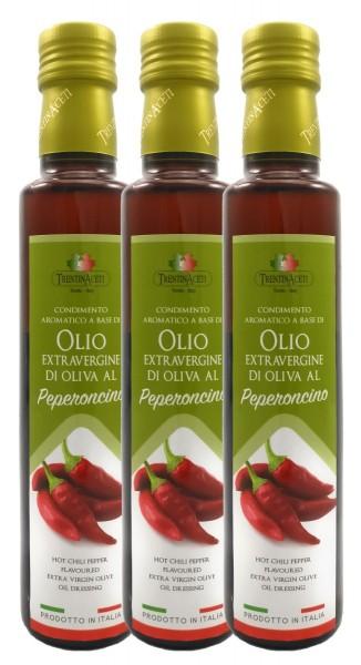 Extra Natives Olivenöl mit natürlichen Peperoncinoaroma aus Italien - 3x250 ml